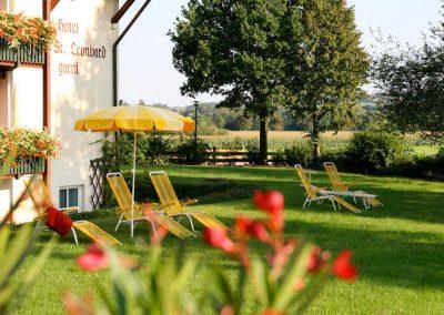 naturundgarten-galerie-liegewiese.jpg