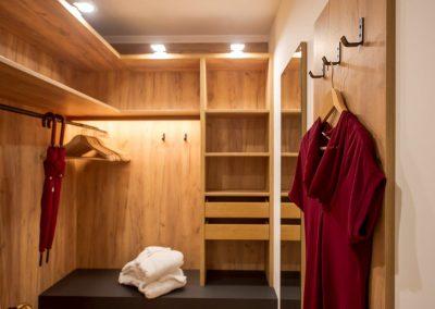 Ankleidezimmer mit viel Platz