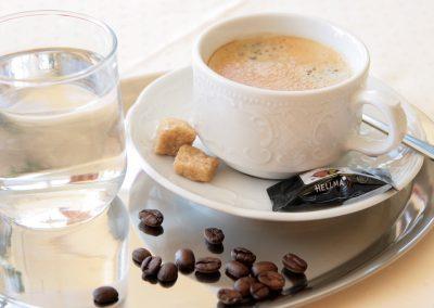 gaestekueche-galerie-kaffee